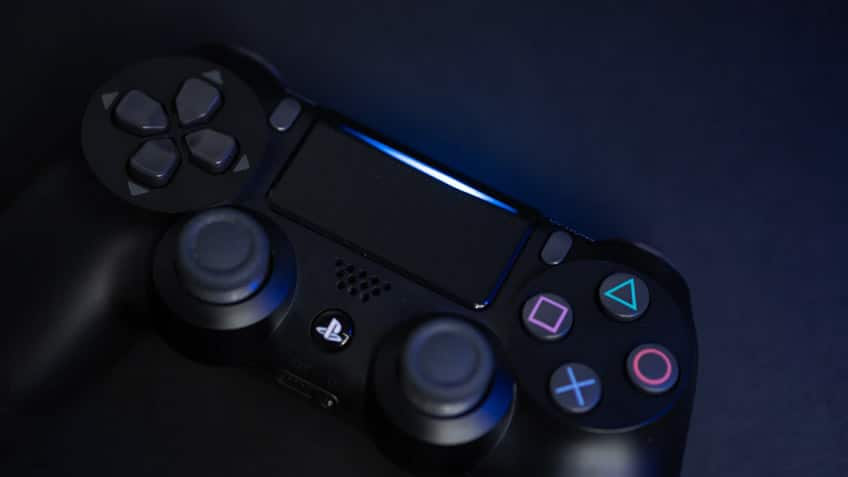 how to charge playstation 4 controller
